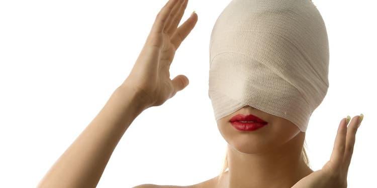 التورم هو أحد مخاطر عملية شد الوجه