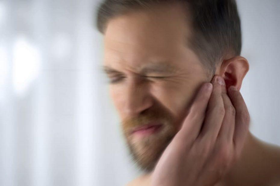 أعراض التهاب الاذن الوسطى