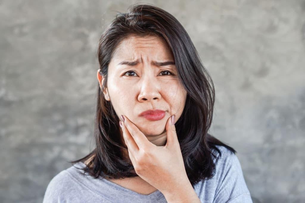 أعراض التهاب العصب السابع